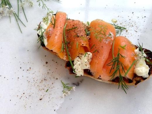Smoked-Salmon-Crostini-7
